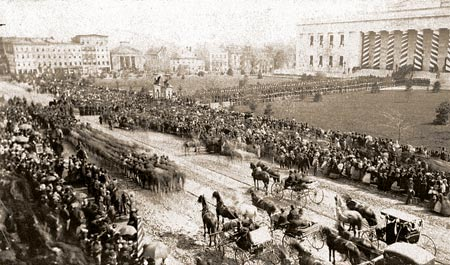 April 29 Lincoln Funeral Procession Arrives At The Statehouse