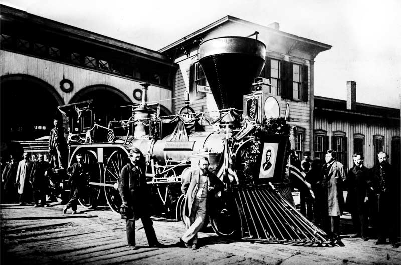 statehouse-lincoln-funeral-train-2
